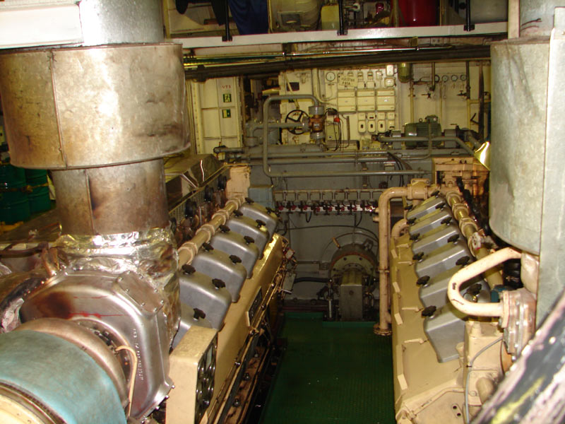 The main propulsion engines (Wärtsilä) onboard the cruise ship Kristina Regina (Hervé Cozanet)