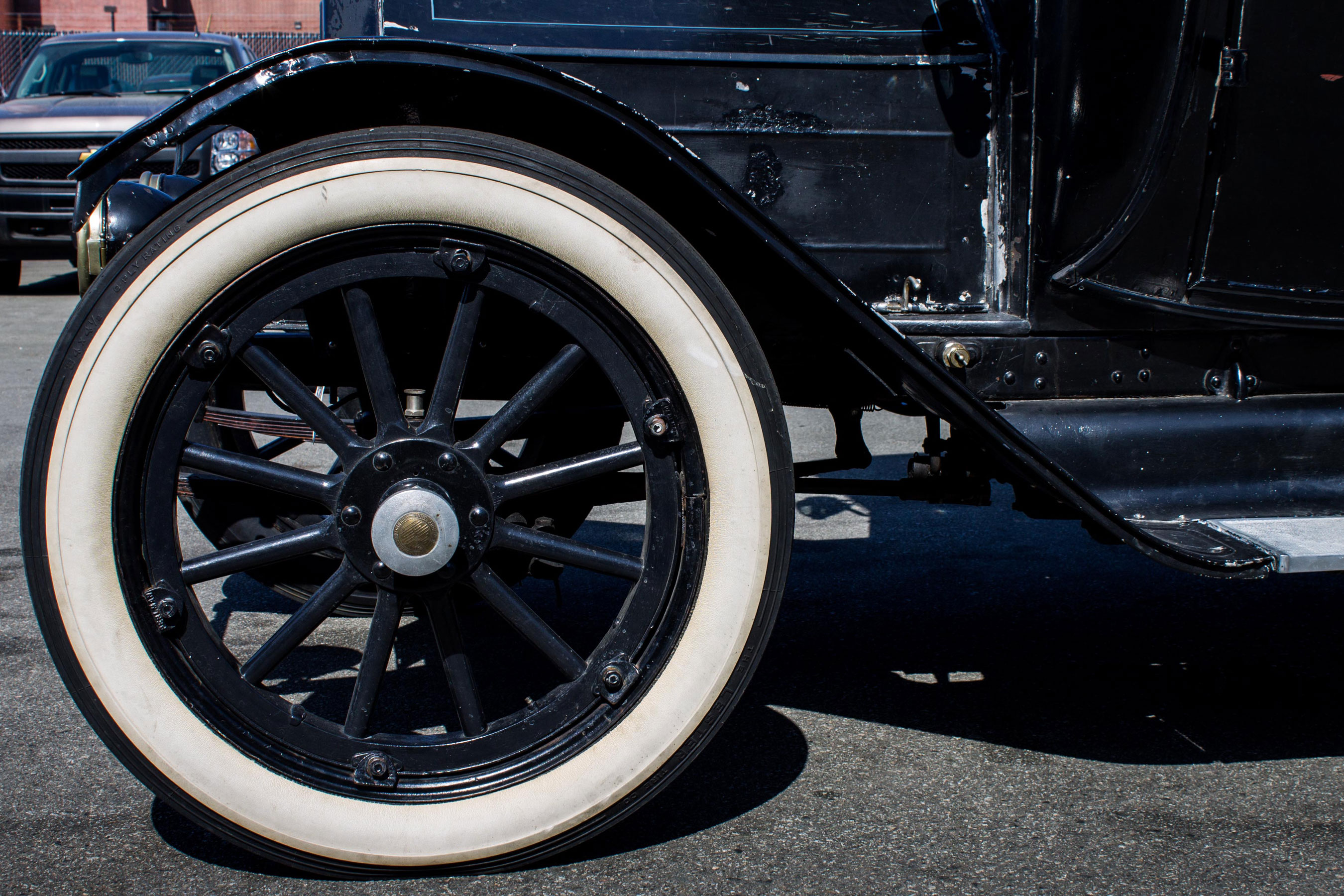 1912 Detroit Electric wheel detail