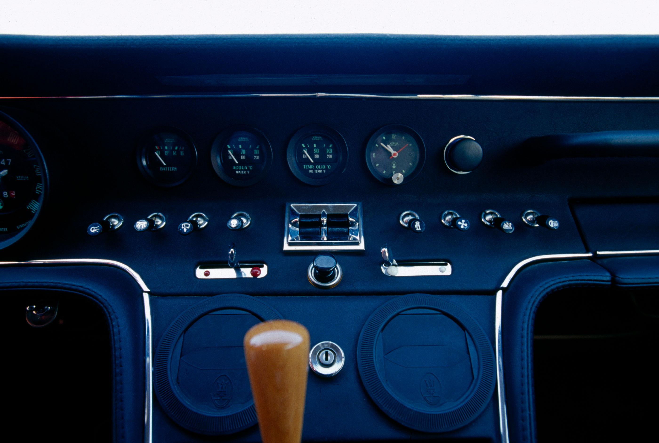 Maserati Ghibli Dashboard