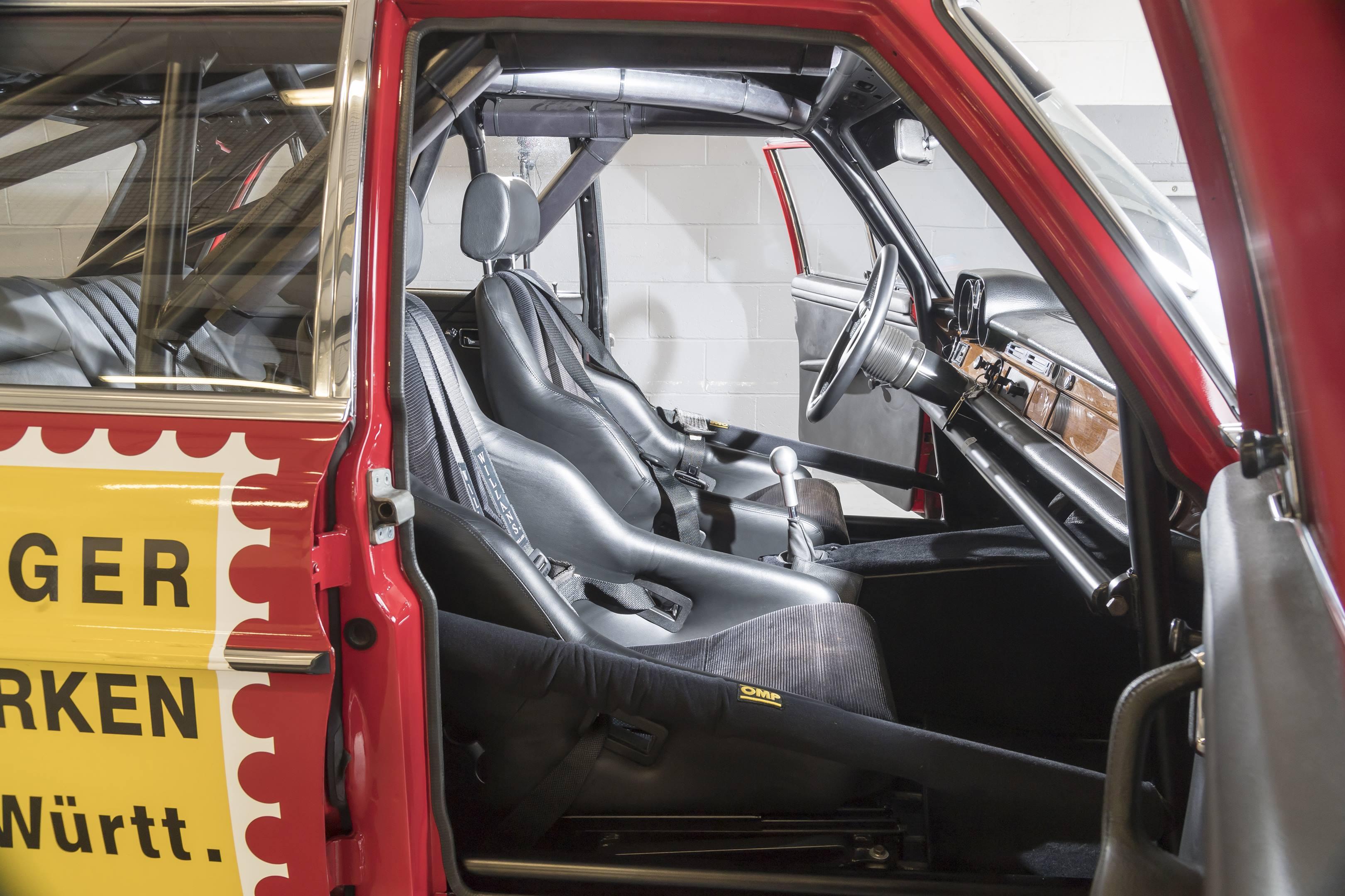 mercedes benz amg 300SEL 6.3 front seats