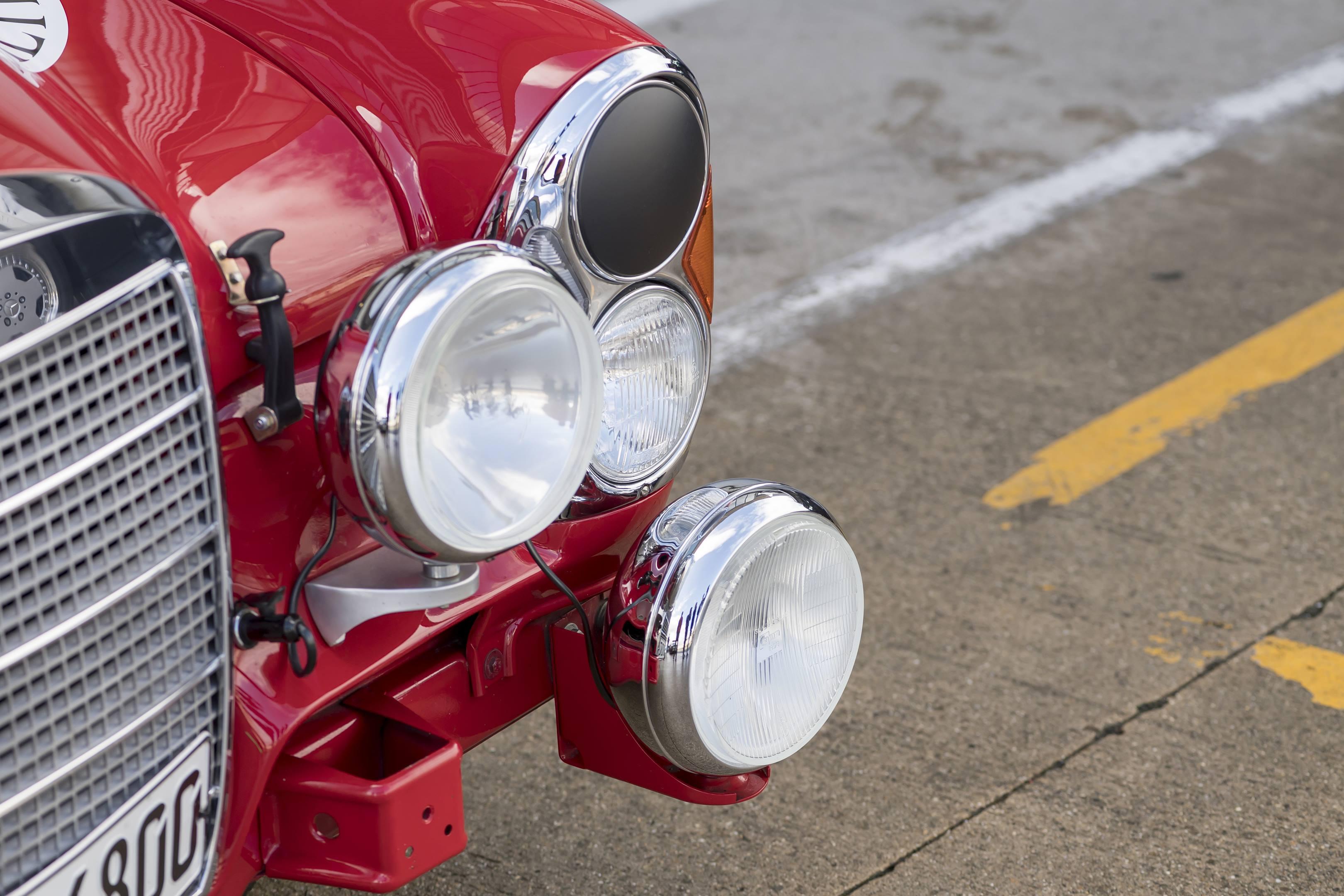 mercedes benz amg 300SEL 6.3 headlights lamps