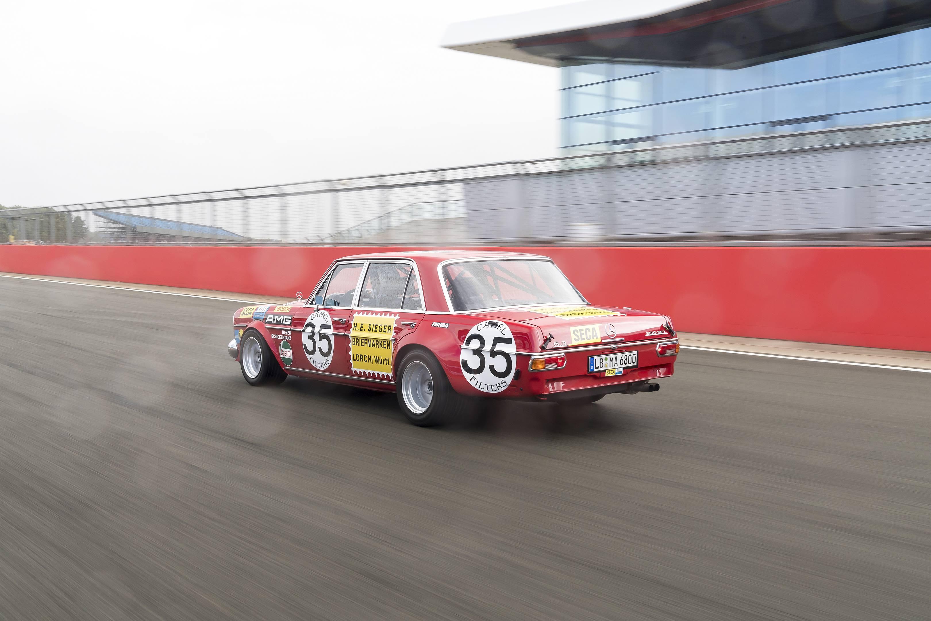 mercedes benz amg 300SEL 6.3 rear track speed