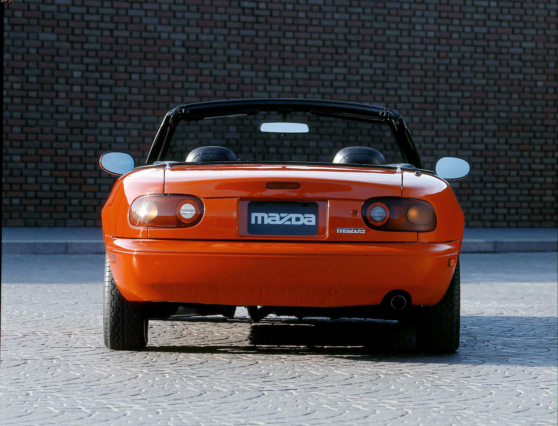 1990 mazda mx5 miata rear red