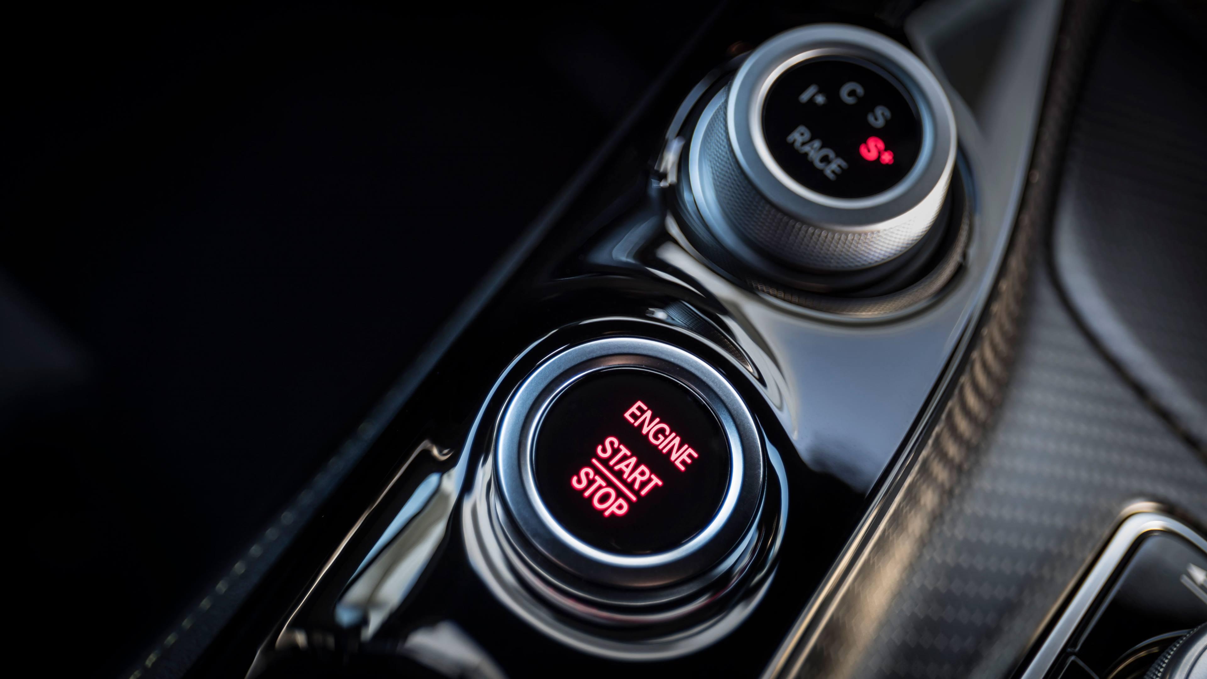 2018 Mercedes-AMG GT R push to start