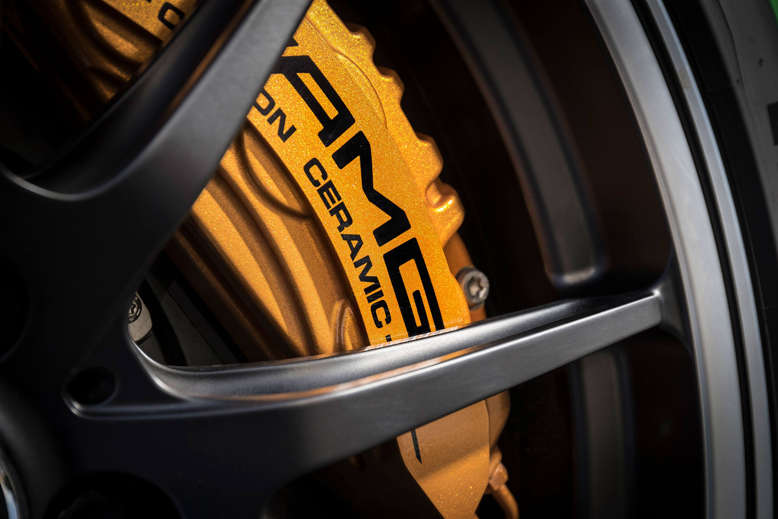 2018 Mercedes-AMG GT R brakes
