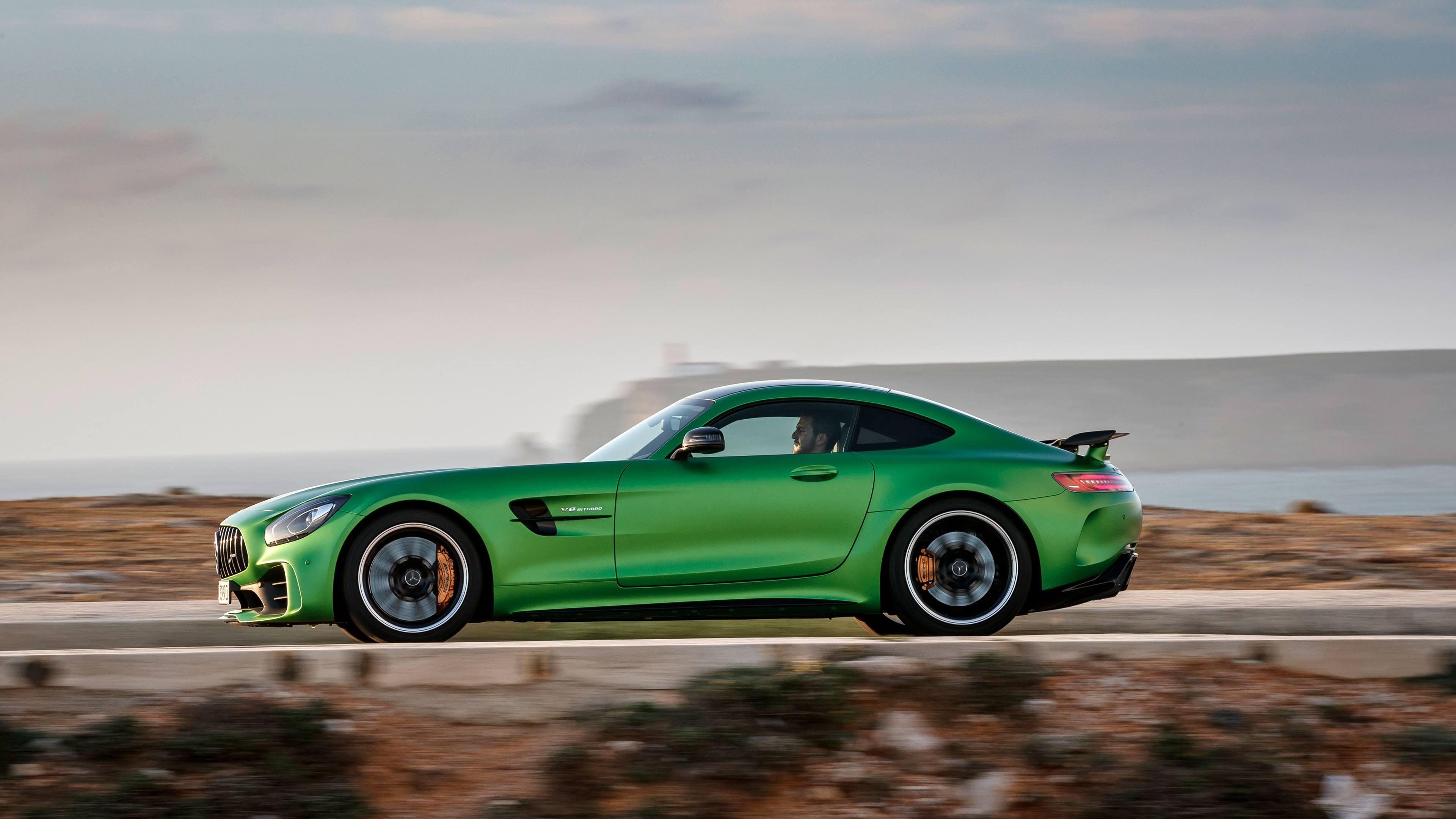 2018 Mercedes-AMG GT R profile