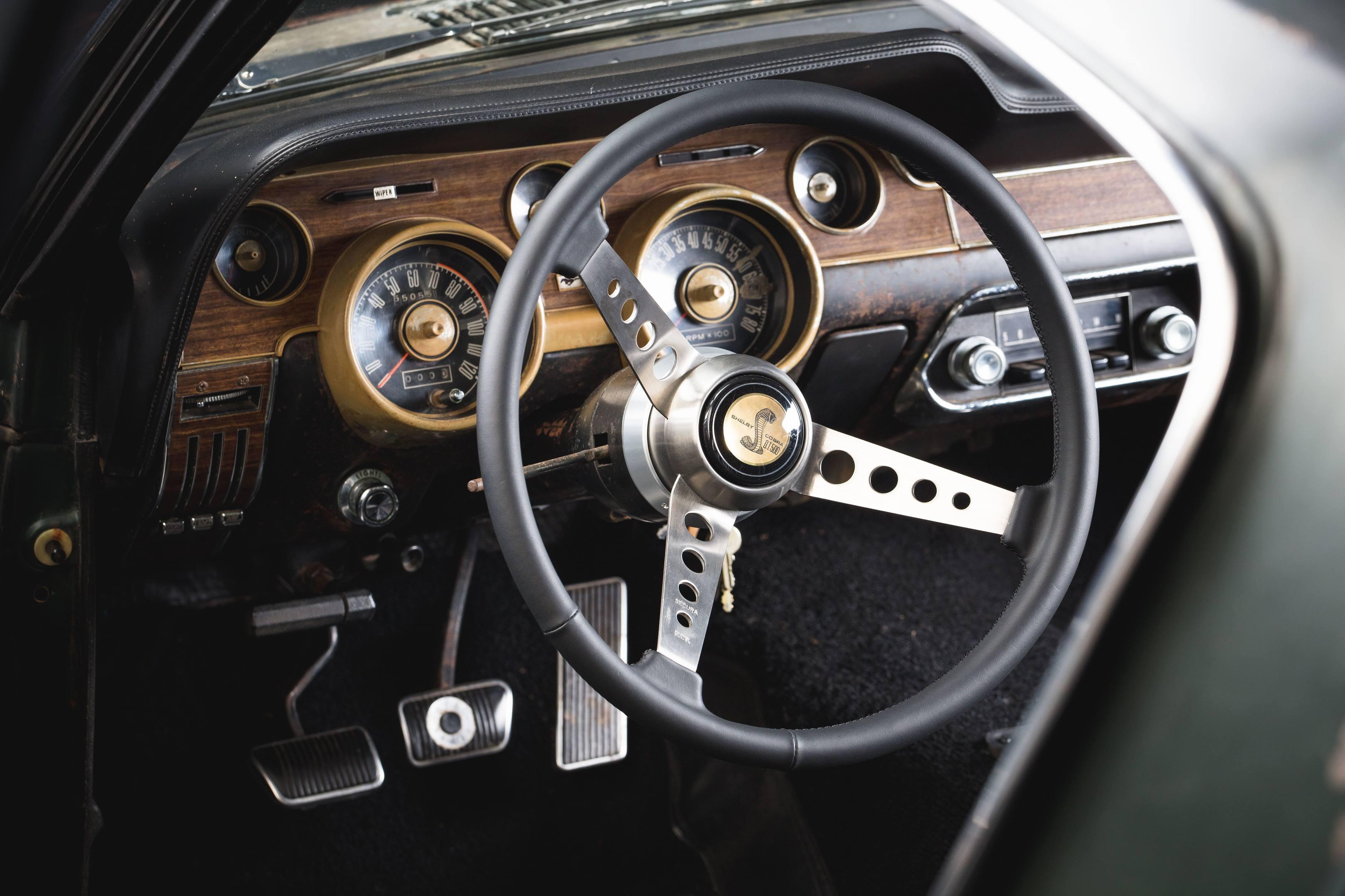 Bullitt Mustang steering wheel