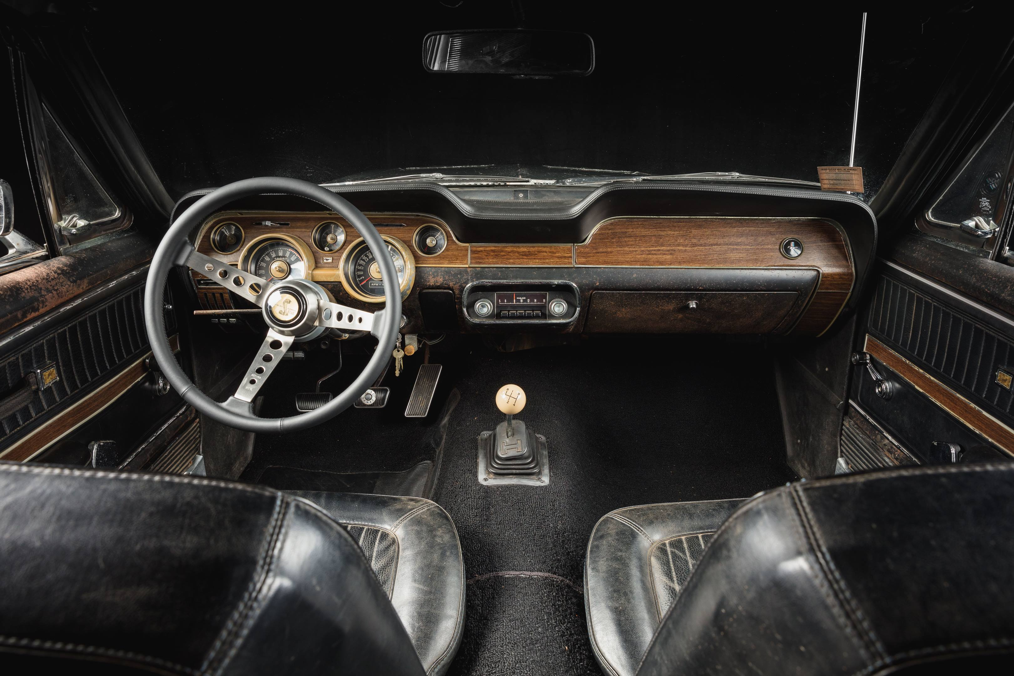 Bullitt Mustang interior from the back seat