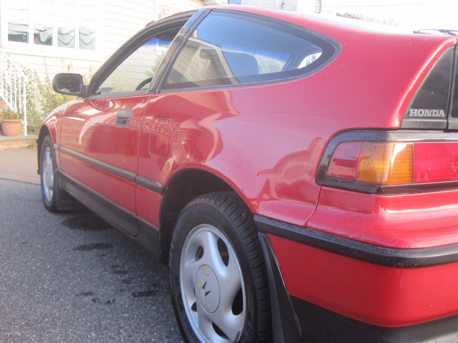 1991 Honda CRX si rear quarter detail