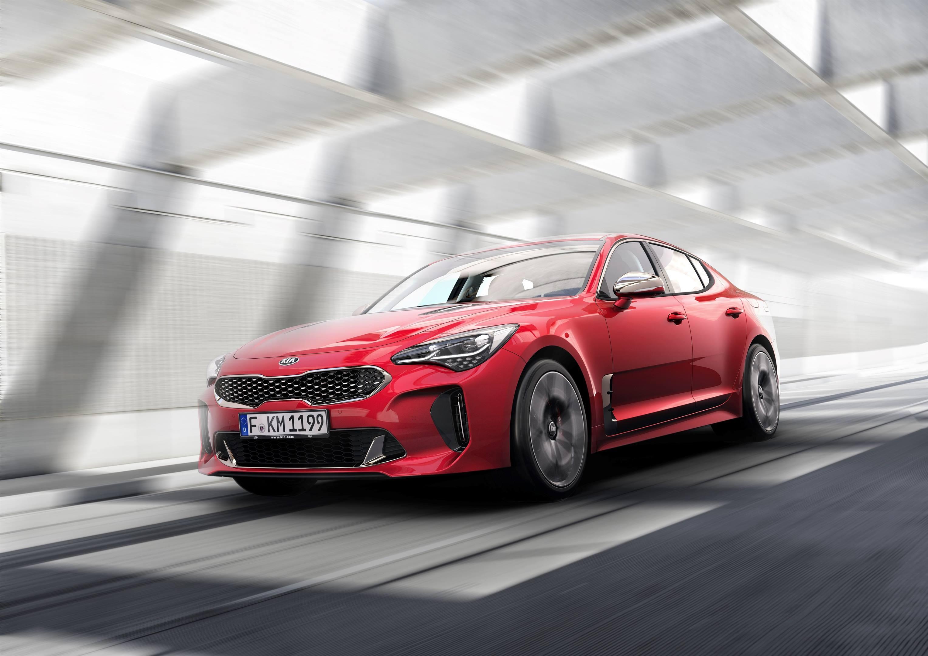 2018 Kia Stinger GT driving