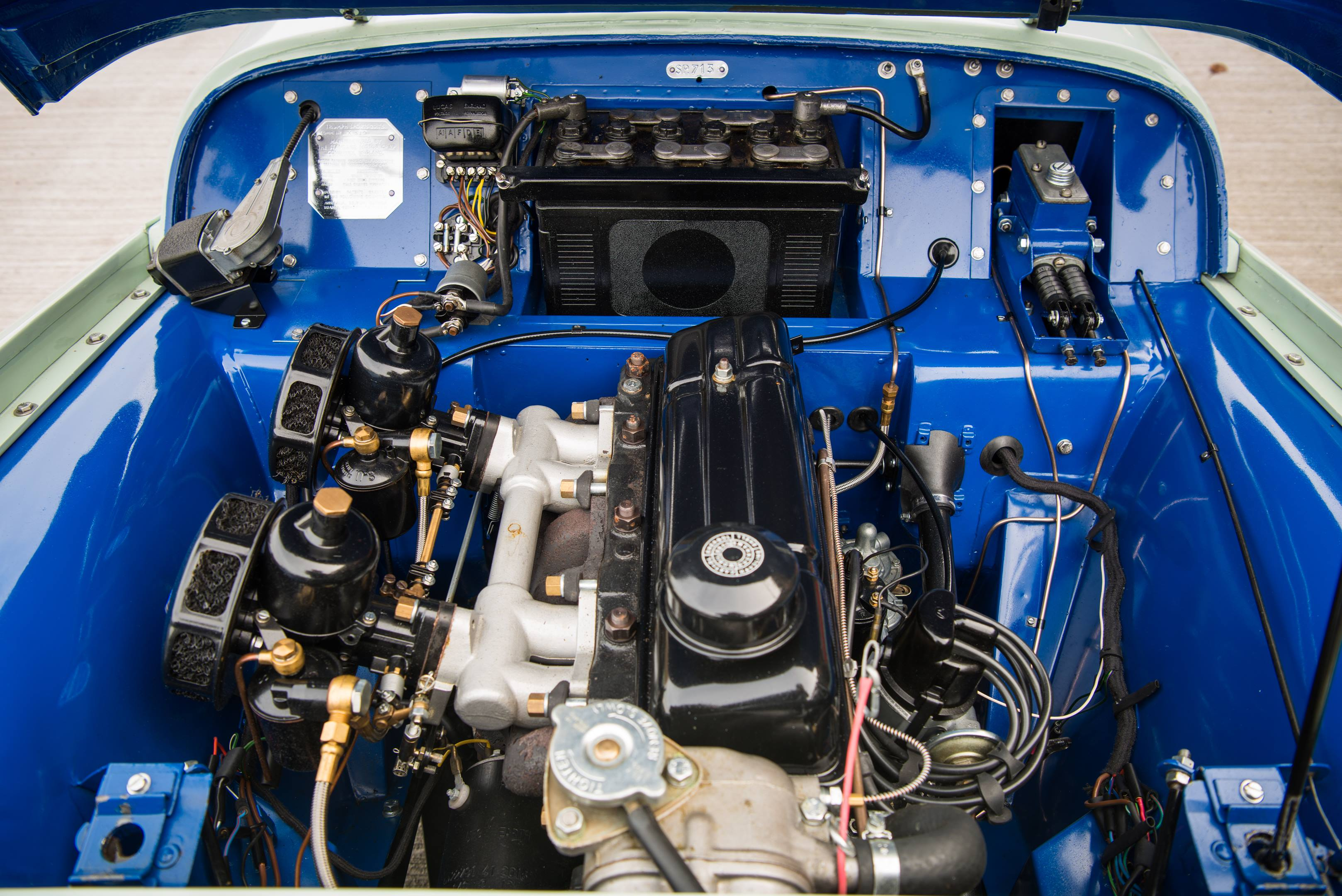 Triumph TR2 engine