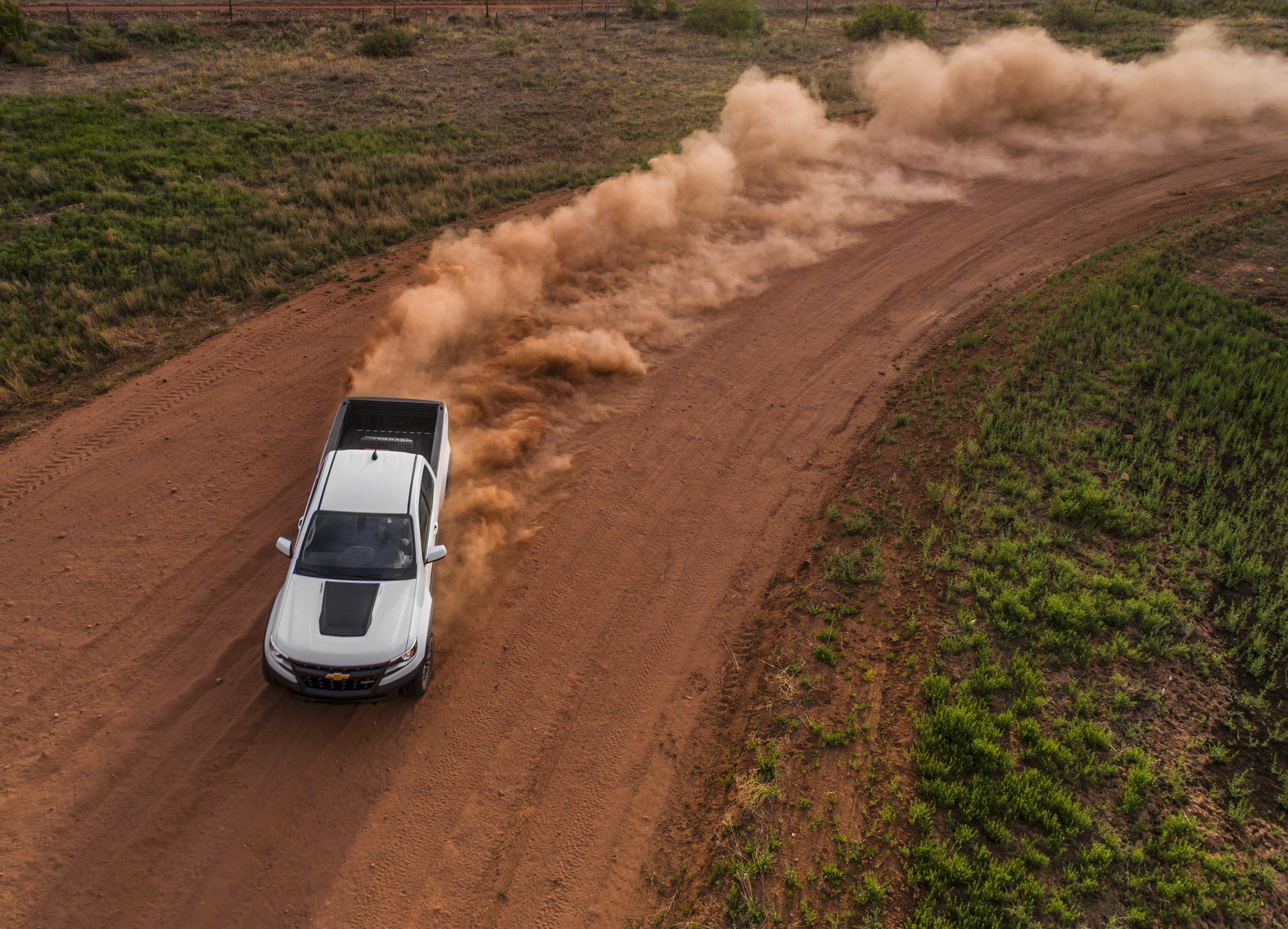 2017 Chevrolet Colorado ZR2 kicking up dirt