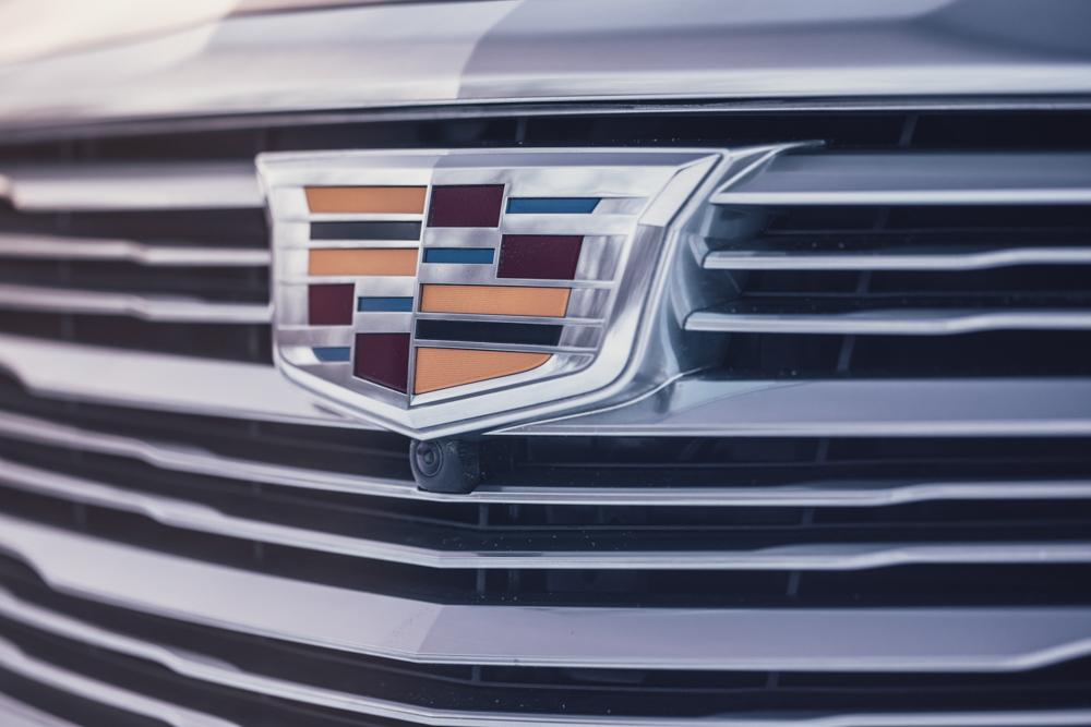 2018 Cadillac CT6 Platinum grille badge