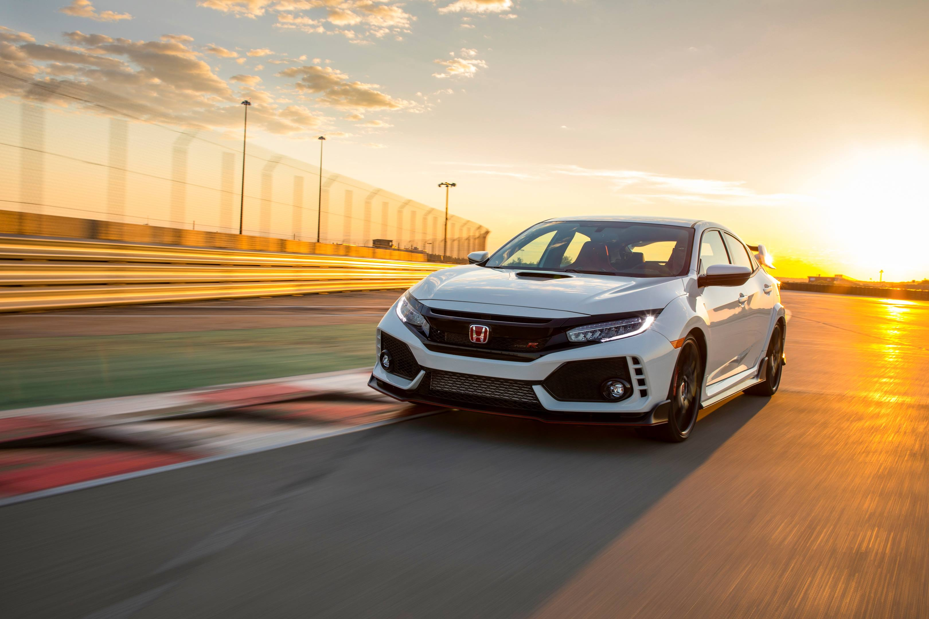 2017 Honda Civic Type R on the track