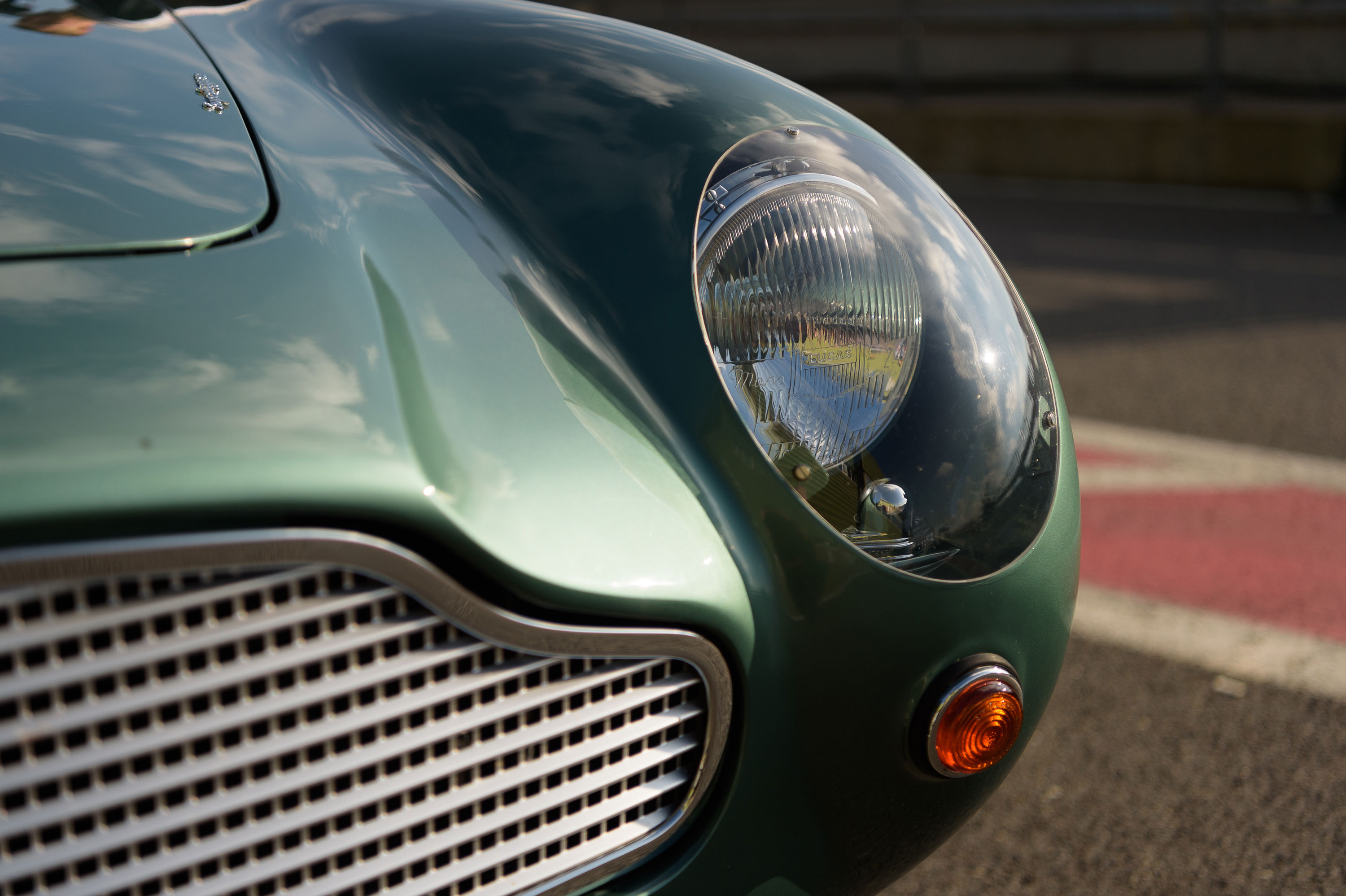 1959 Aston Martin DB4 GT headlight detail