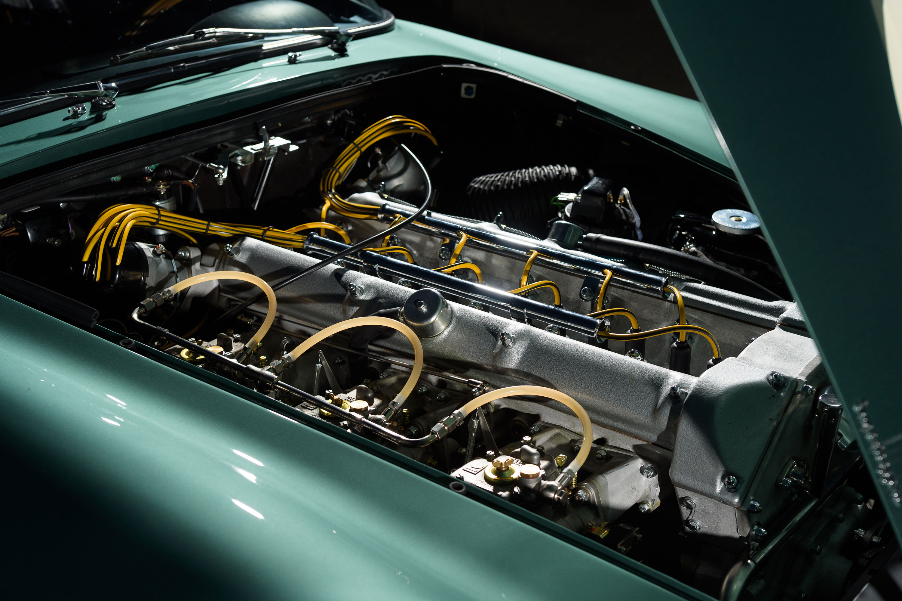 Aston Martin DB4 GT engine