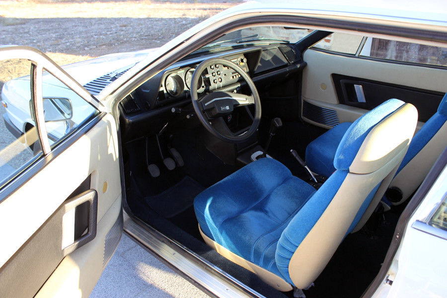 1978 Lancia Gamma Coupe interior