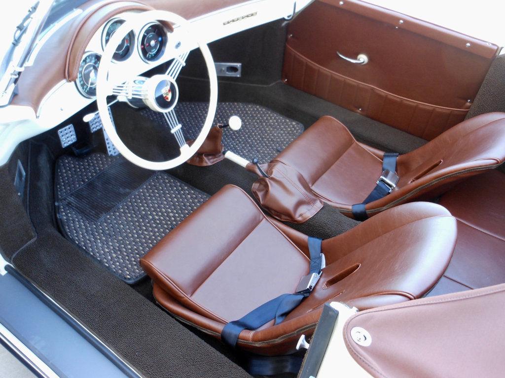 1957 Porsche 356 Speedster interior