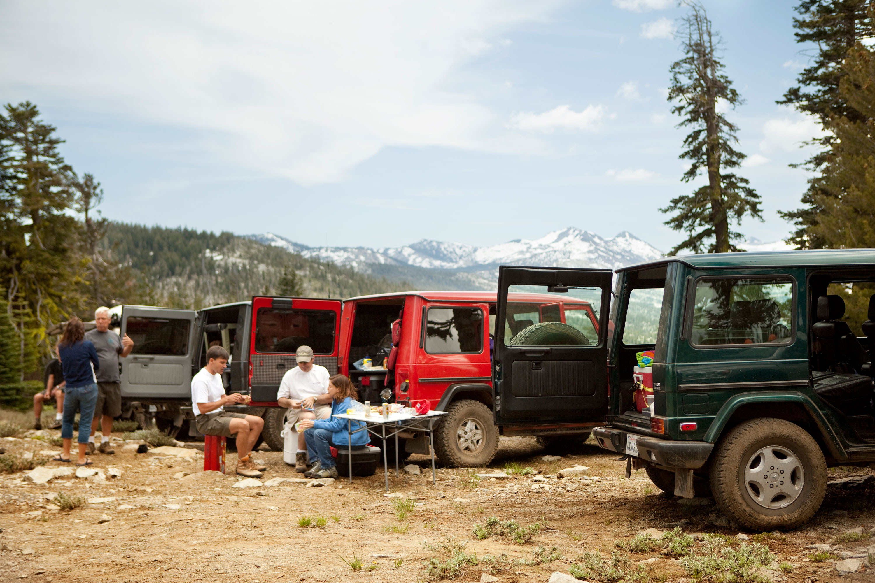 Eating in the wilderness is rewarding. Especially atop an 8000-foot ridge.
