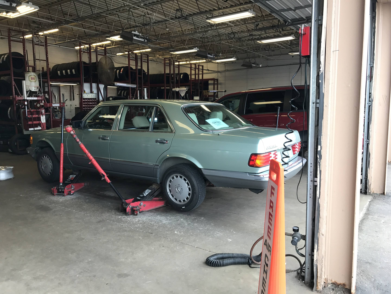 1987 Mercedes-Benz 560 SEL inspection