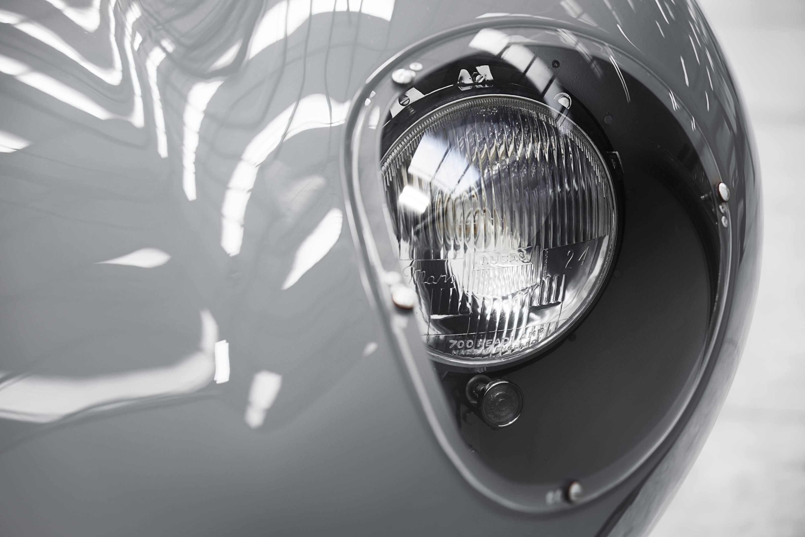 Jaguar D-type headlight
