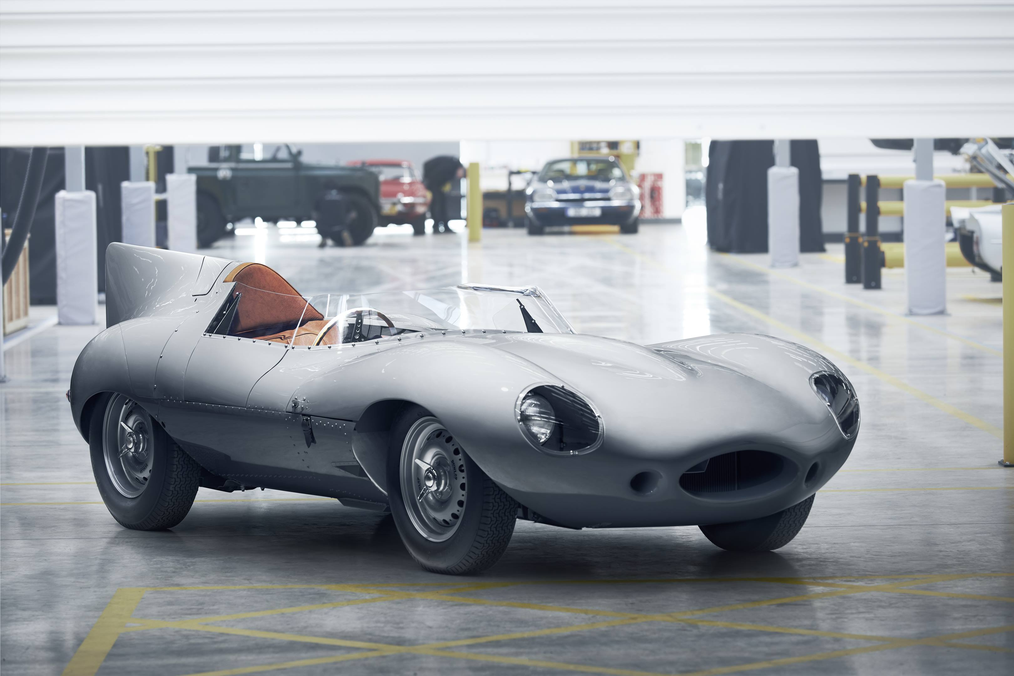 Jaguar D-type front 3/4