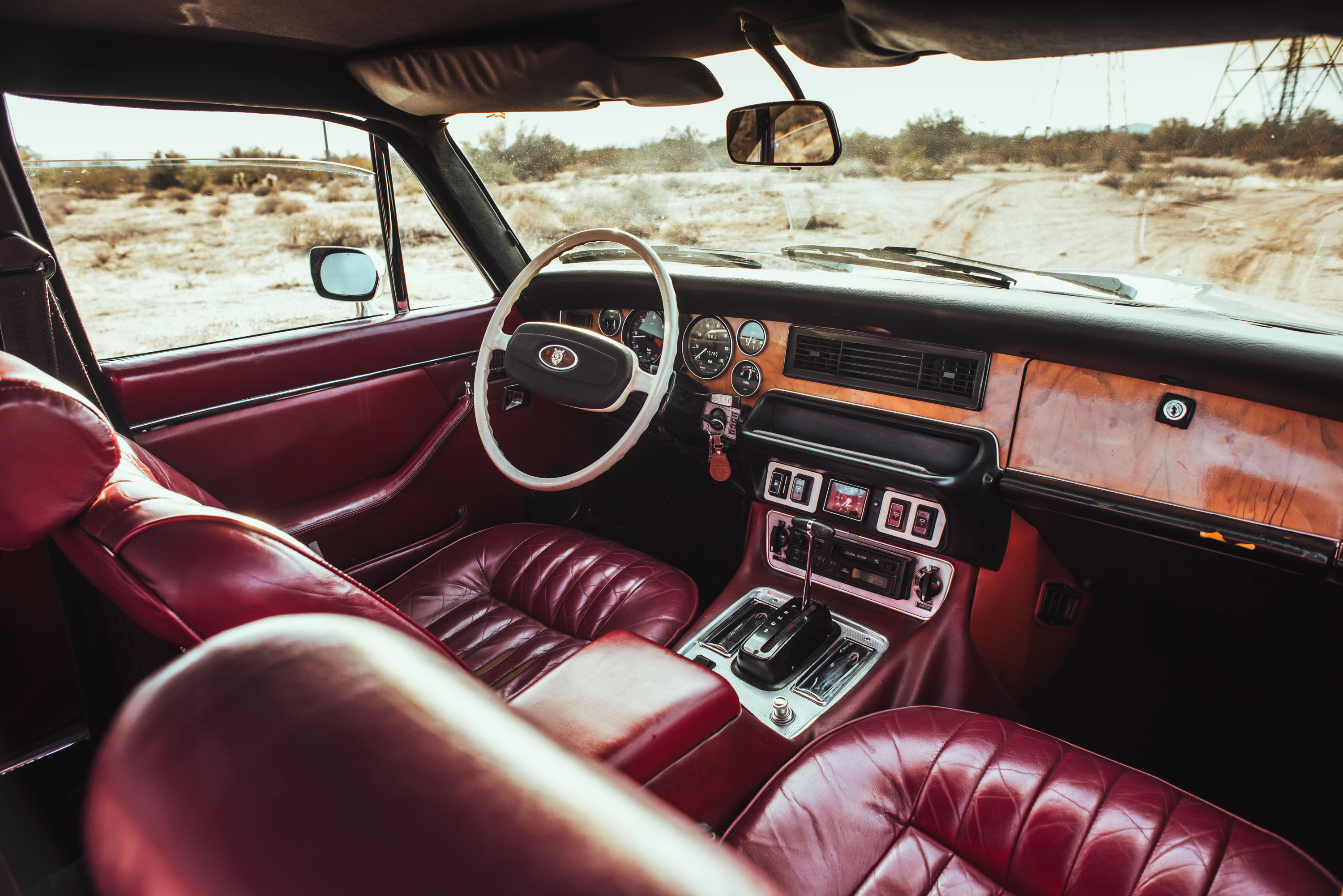 1974 Jaguar XJ6 interior