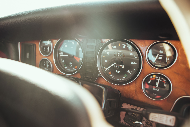 1974 Jaguar XJ6 gauge cluster