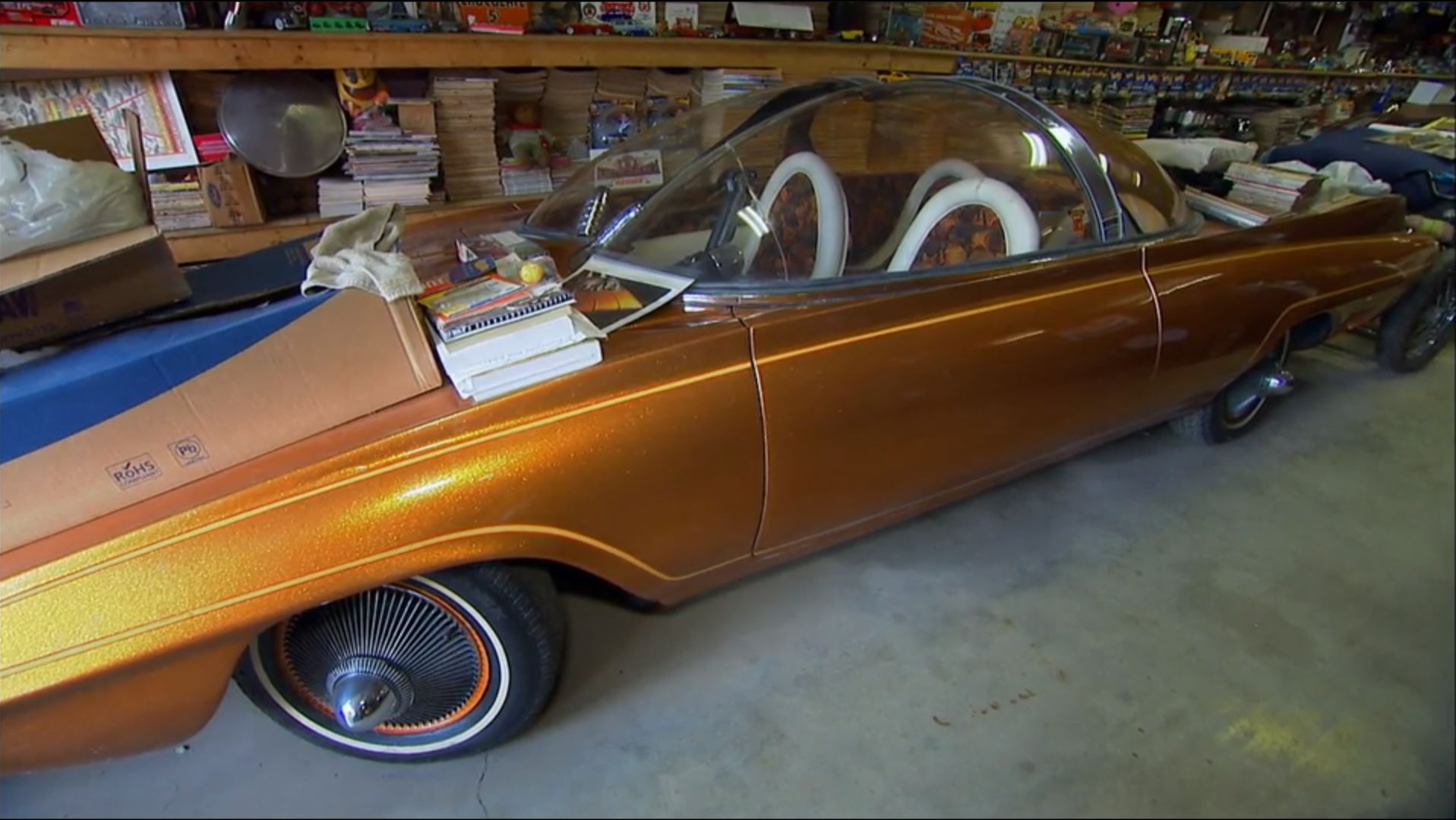 American Pickers pops into the world of bubble-top cars thumbnail