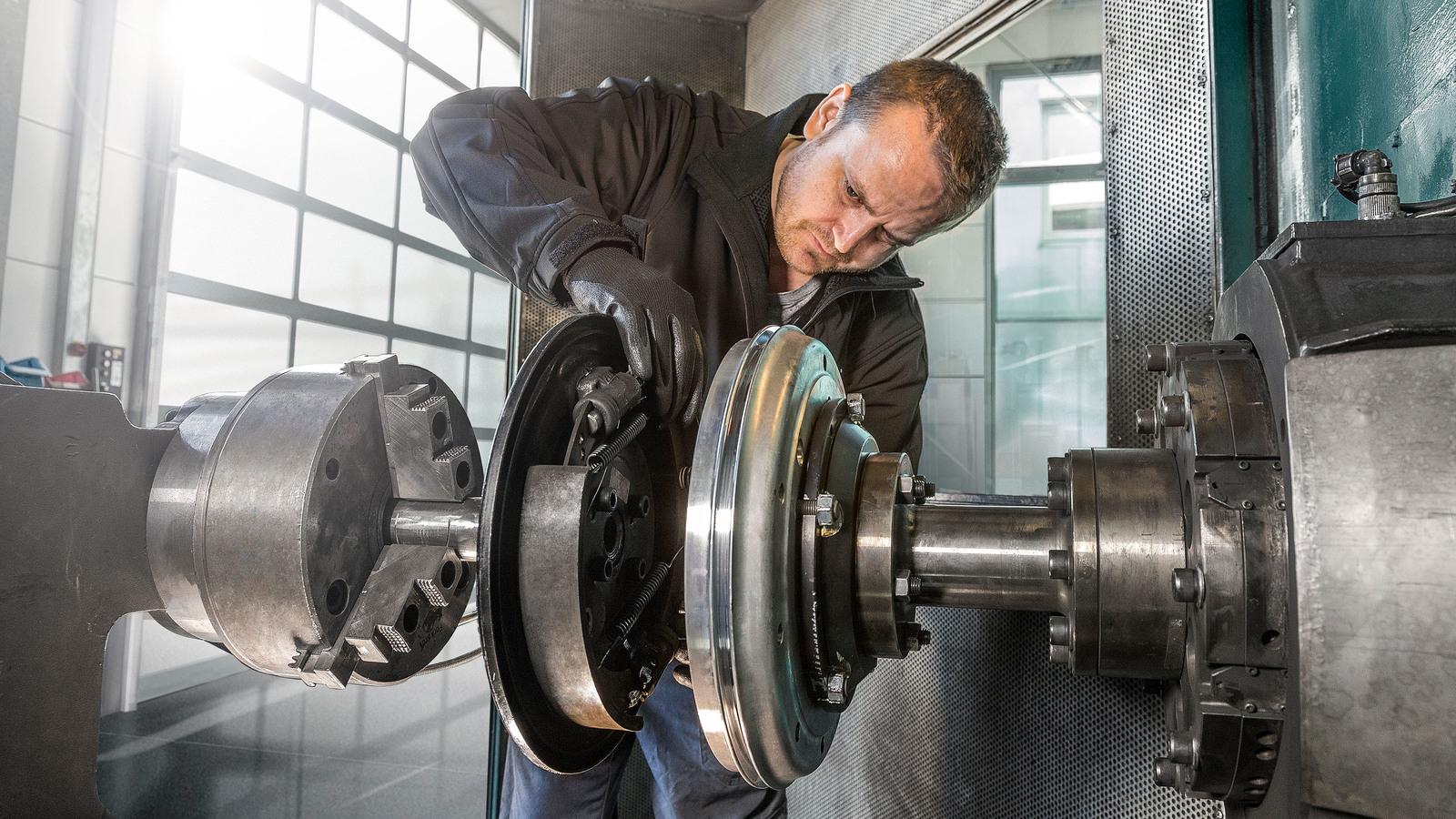 Porsche 356 brake drum install