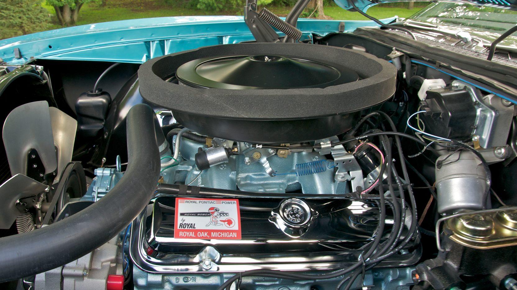 Royal Pontiac 428-engine on a 1968 GTO