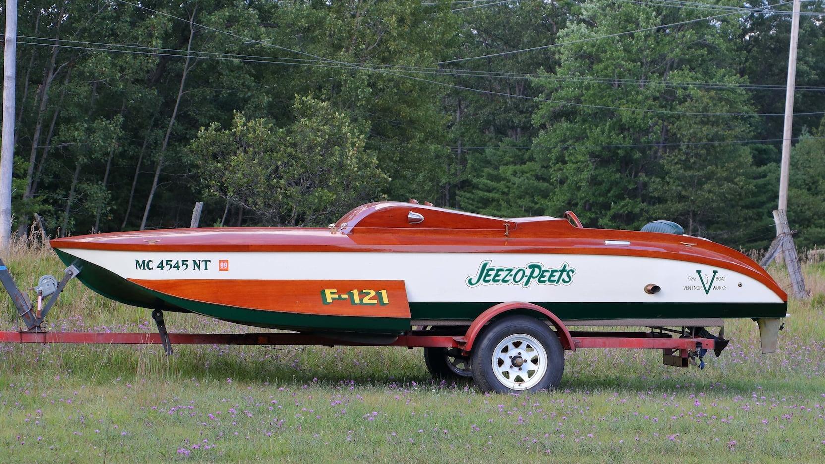 1937 Ventnor 18' Racing Runabout 'Jeez-O-Peets'