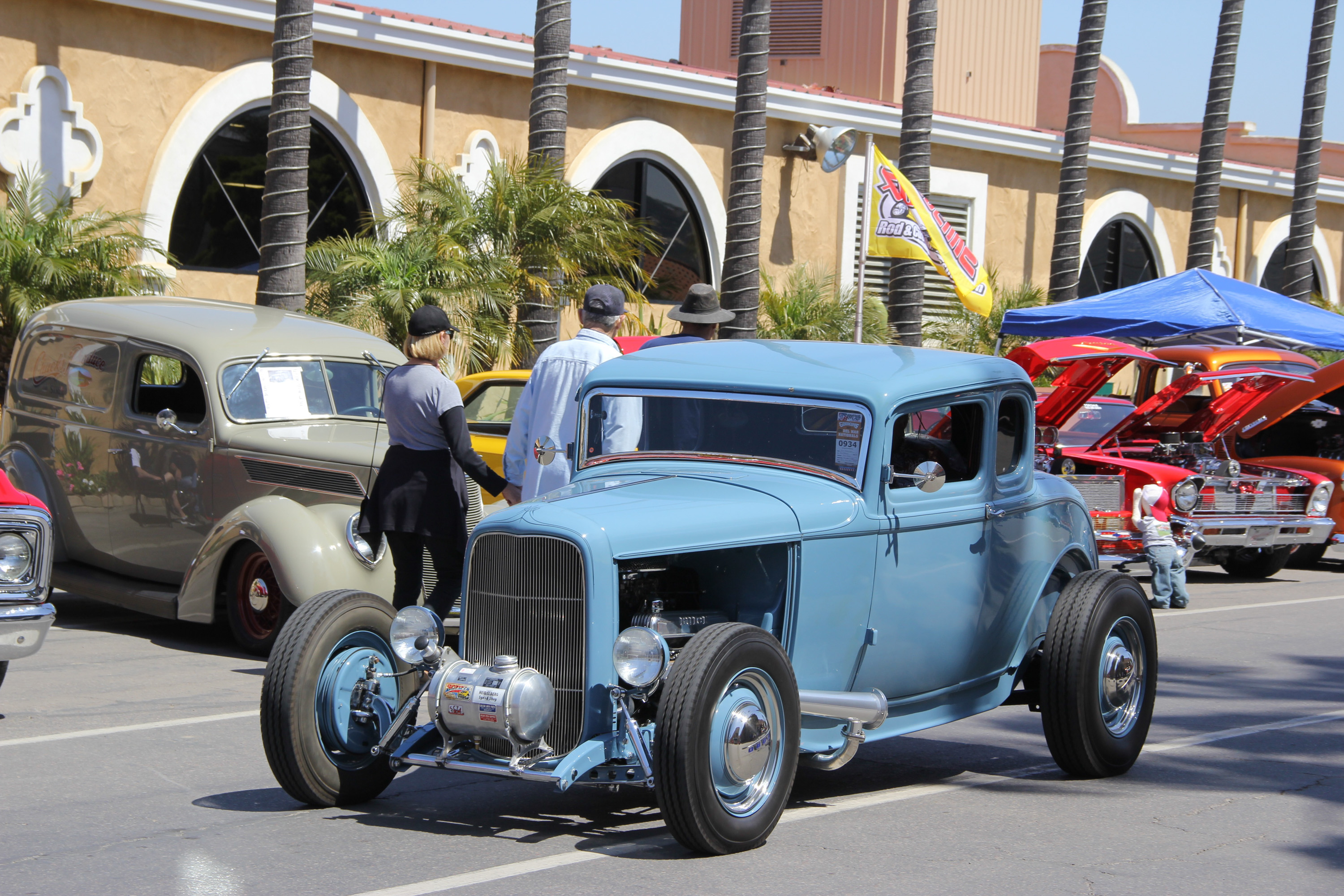 blue 1932 Ford Deuce coupe