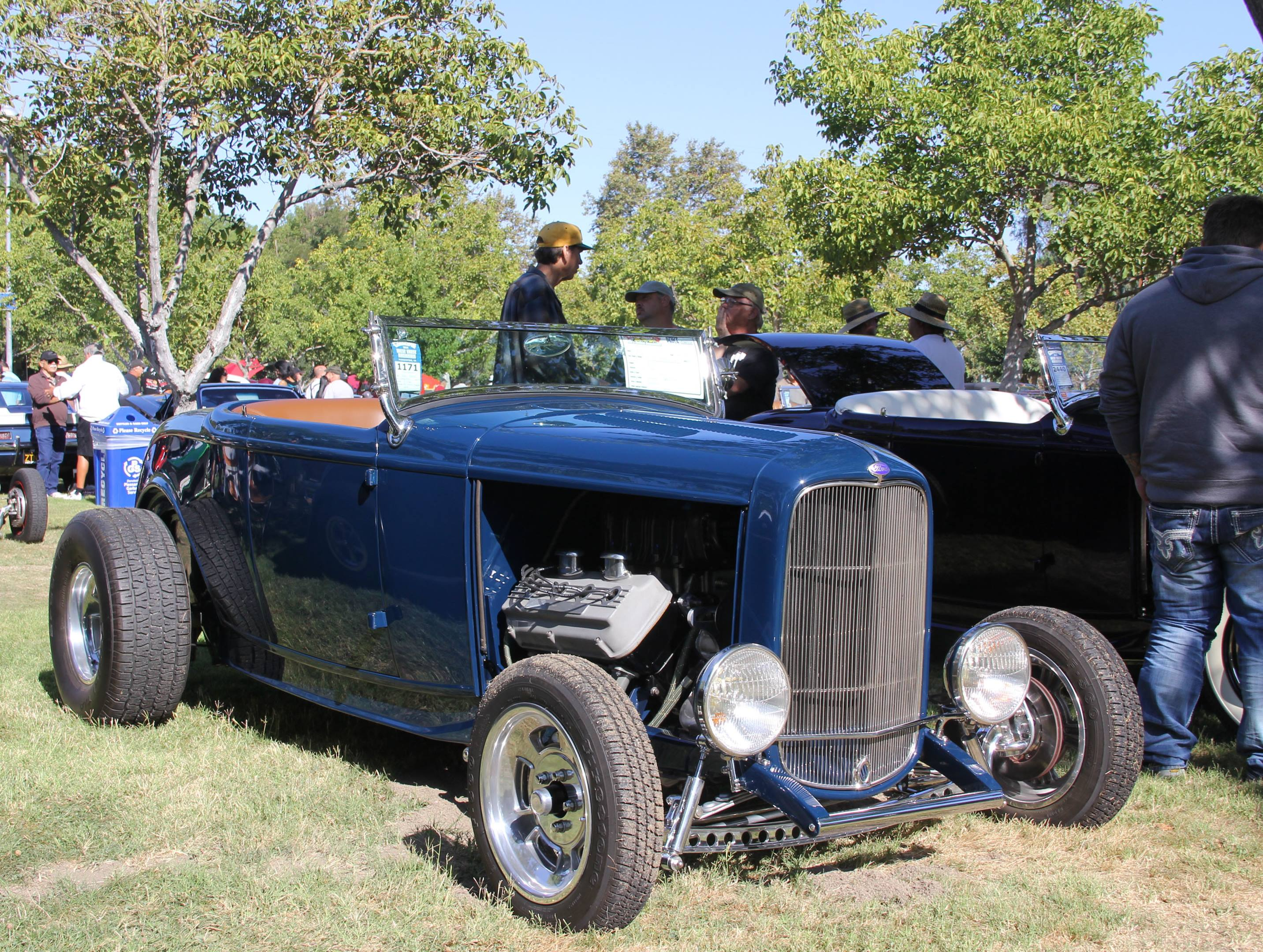 1932 Ford Deuce at a car show