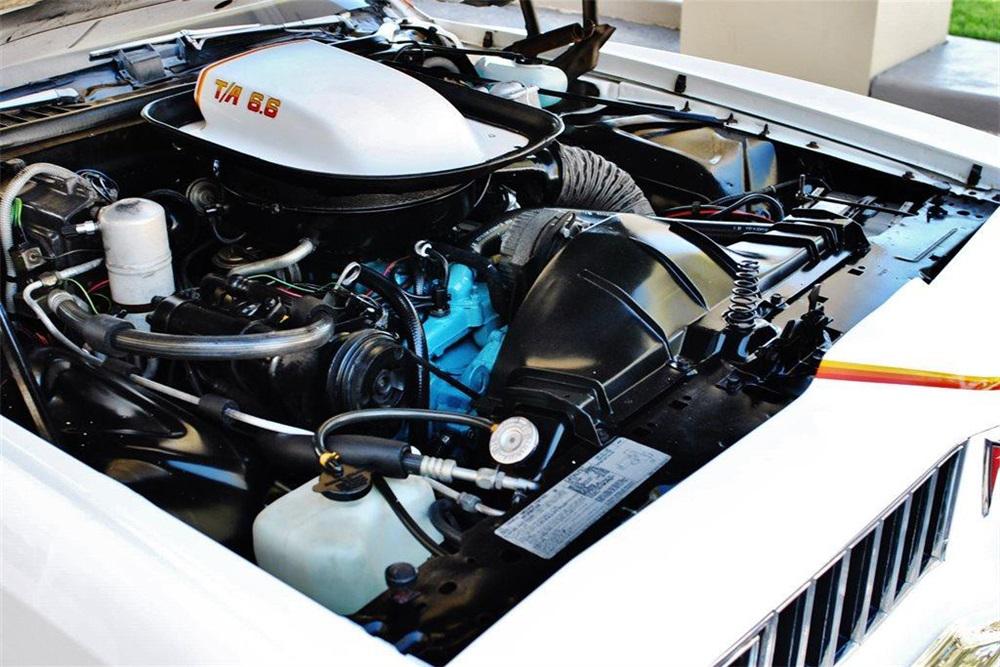 1977 Pontiac Can Am engine