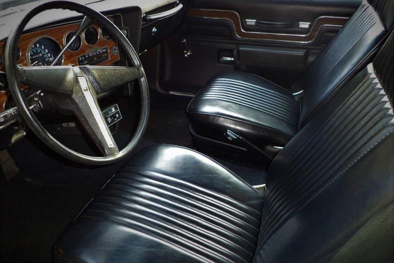 1977 Pontiac Can Am interior