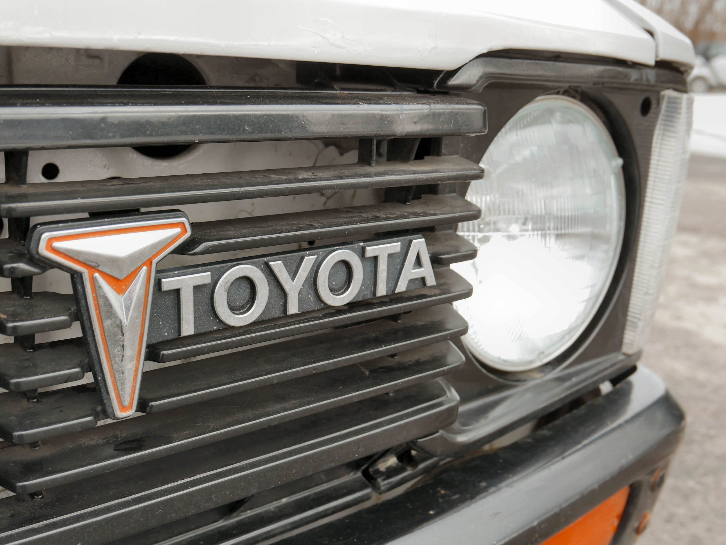 1980 Toyota dually flatbed badge detail