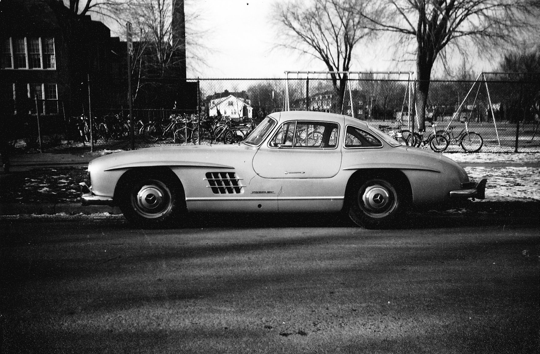 John DeLorean once bought a 300 SL Gullwing for research thumbnail