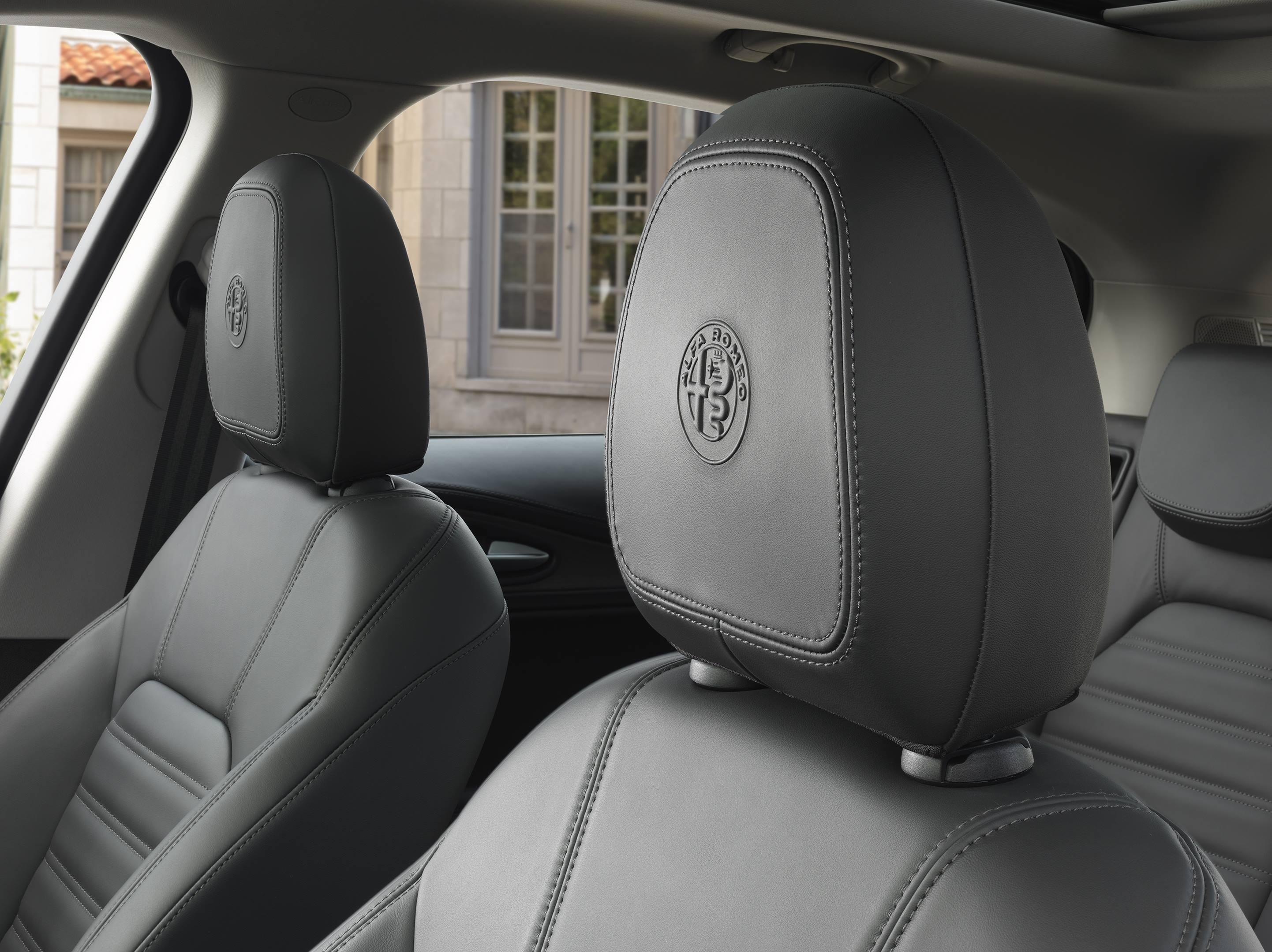 2018 Alfa Romeo Stelvio seat detail