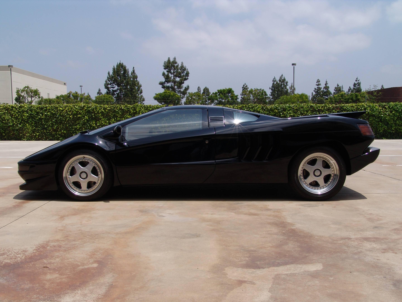 black Cizeta-Moroder V16T profile