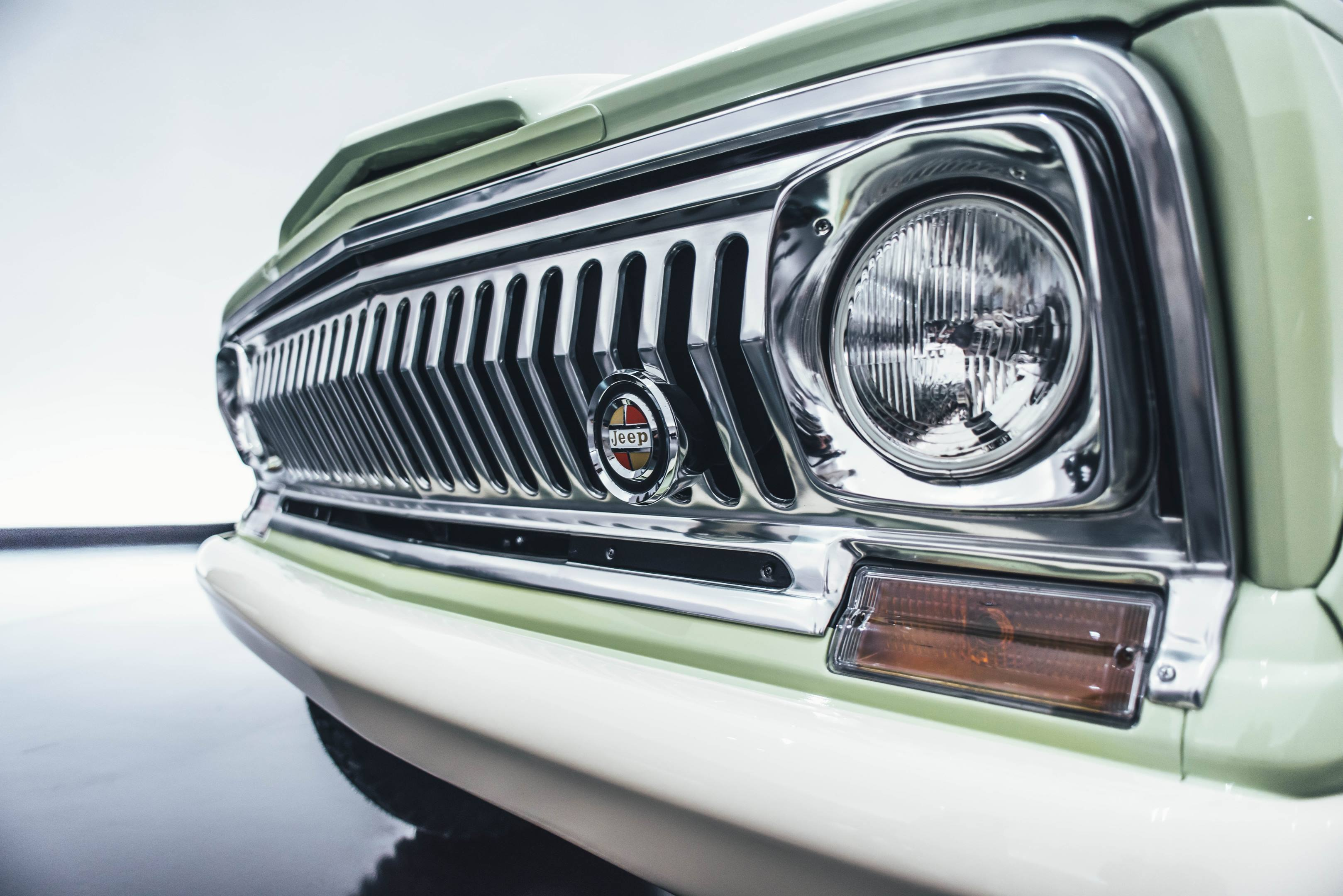 2018 Jeep Wagoneer Roadtrip Concept grille