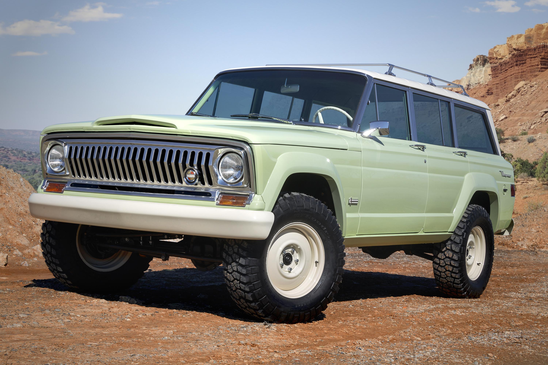 2018 Jeep Wagoneer Roadtrip Concept off-road