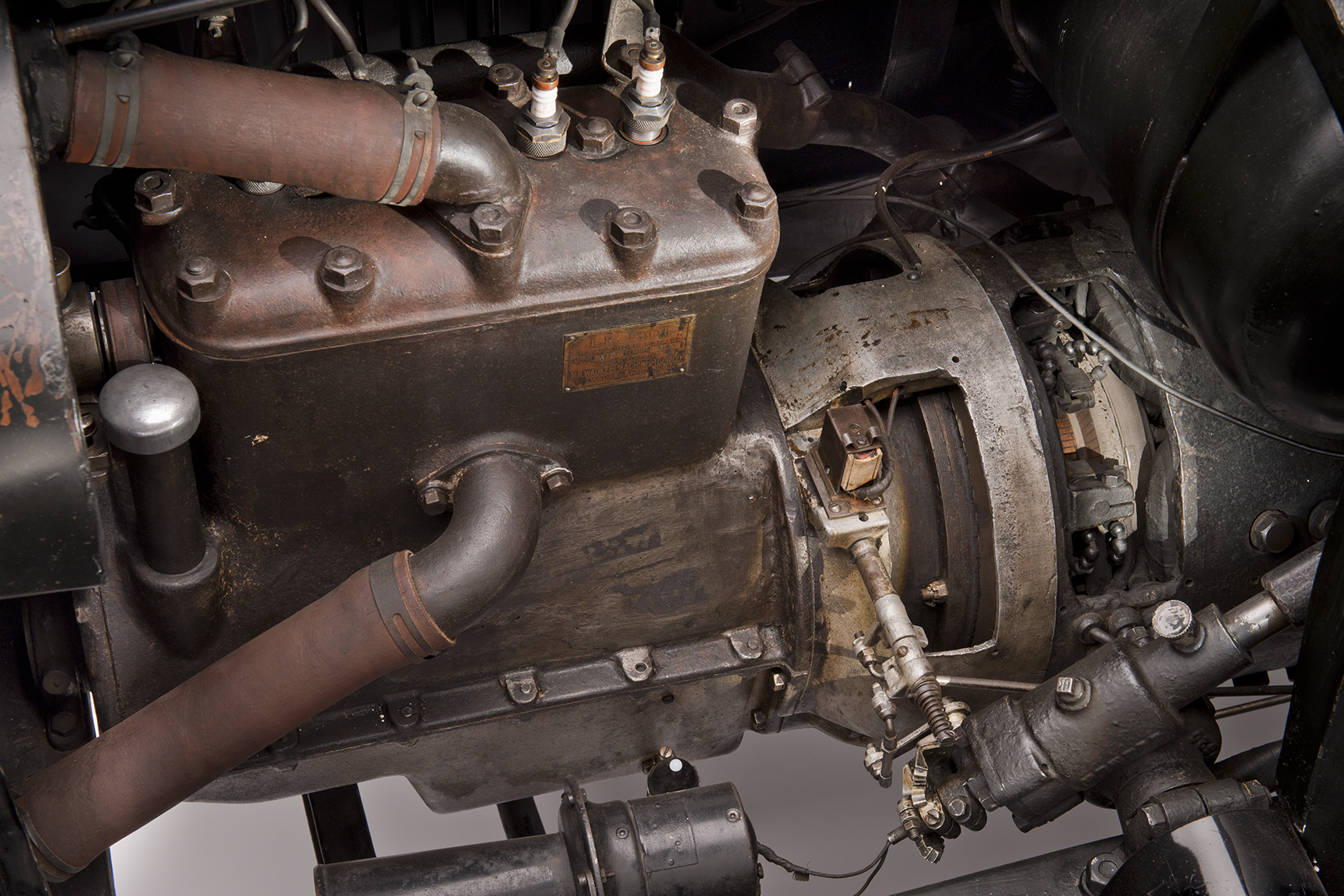 1916 Woods Dual-Power Hybrid Coupe engine
