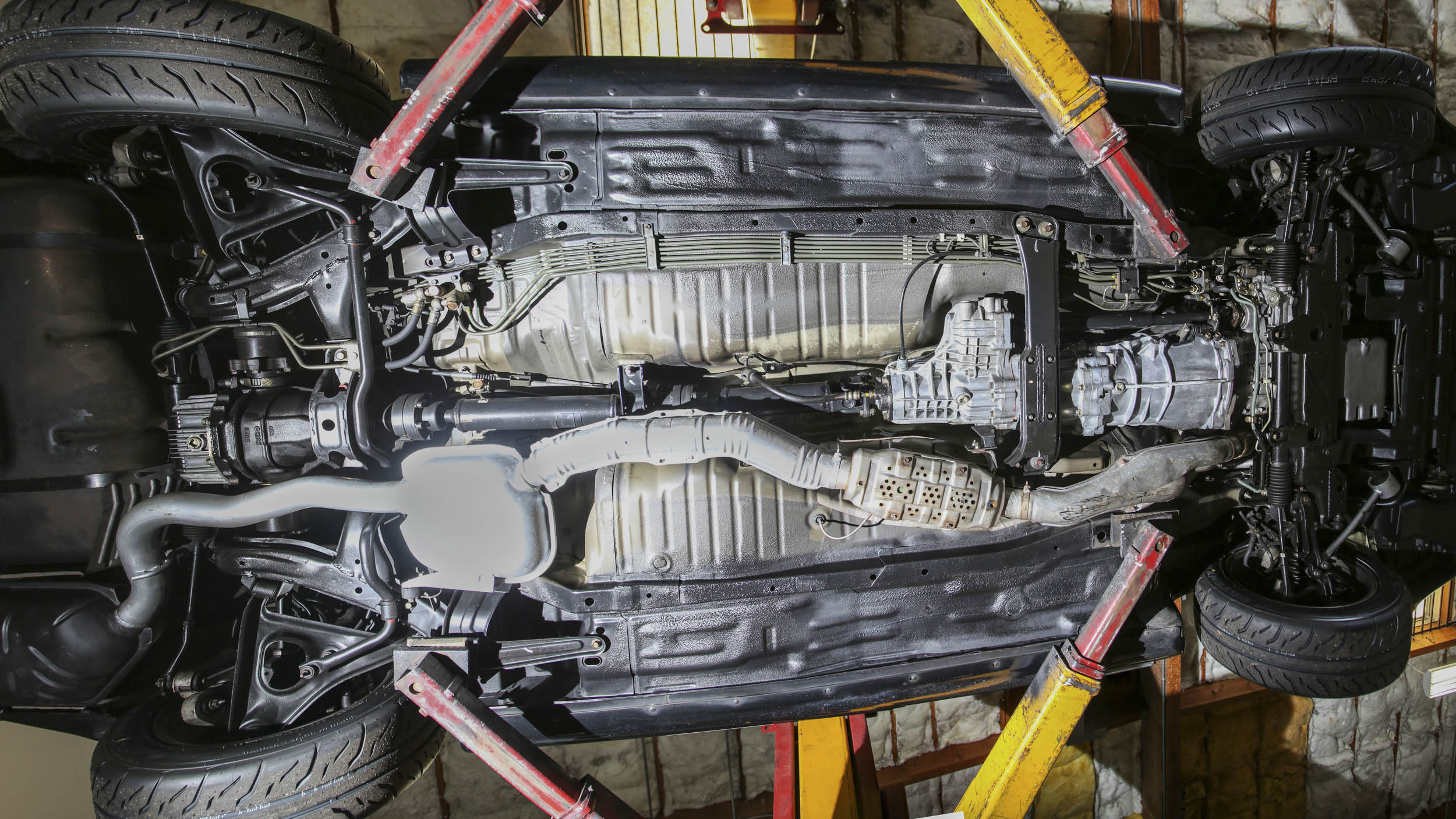 Nissan R32 GT-R undercarriage