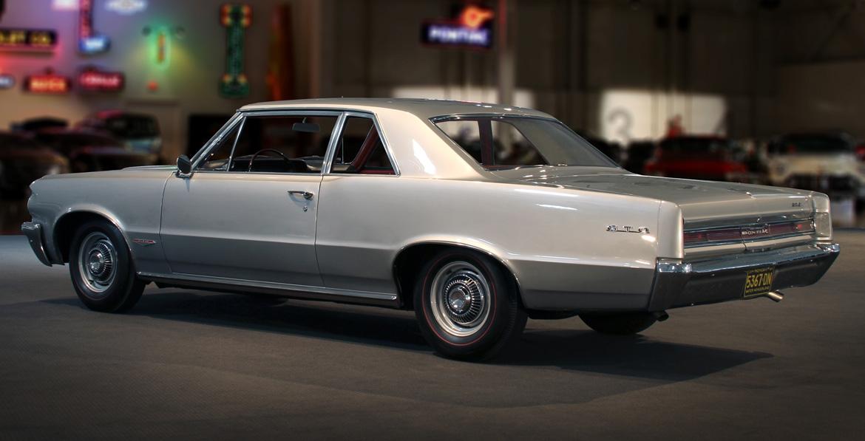 1964 Pontiac LeMans GTO rear 3/4