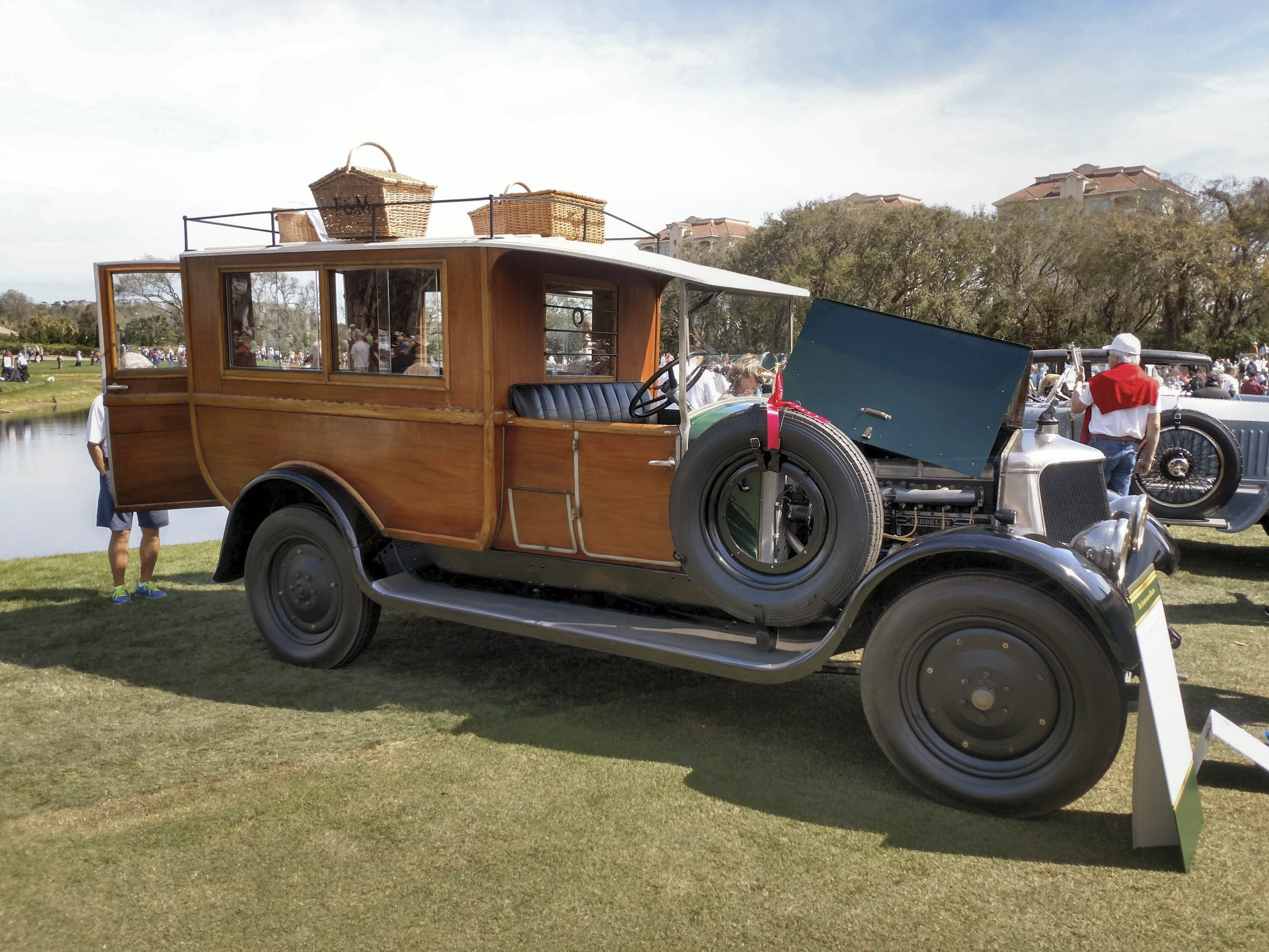 1929 Armstrong Siddeley 30HP Shooting Brake profile