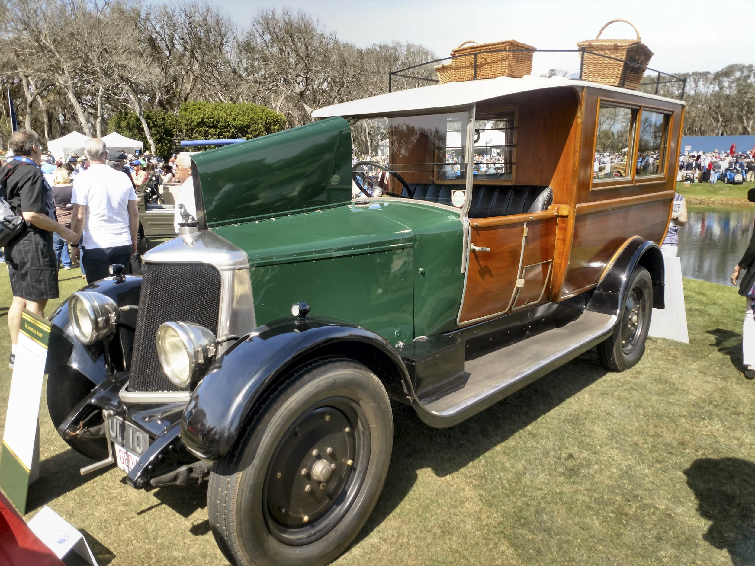1929 Armstrong Siddeley 30HP Shooting Brake front 3/4