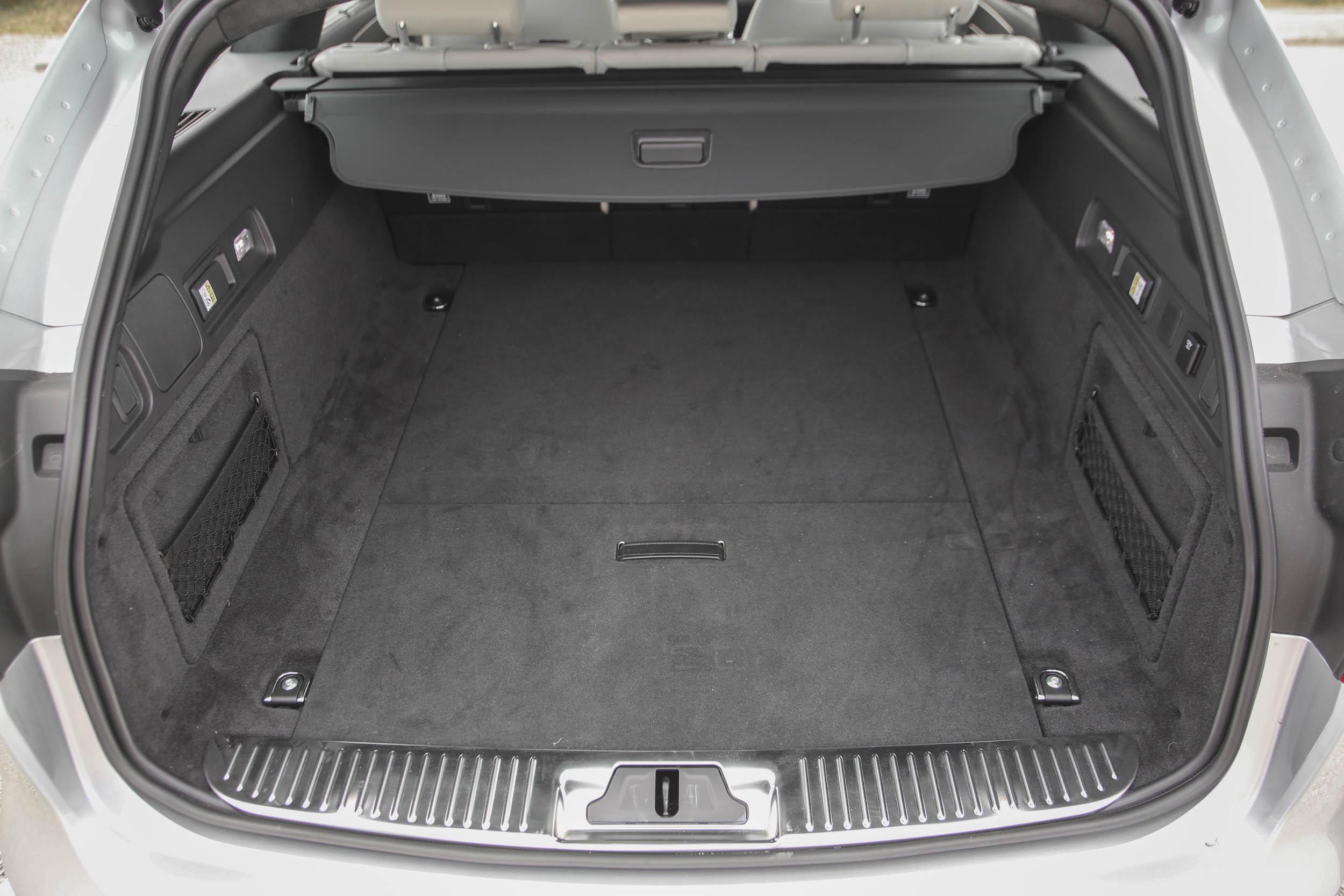2018 Jaguar XF cargo