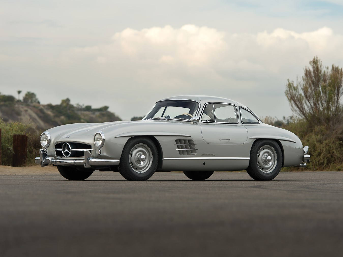 1955 Mercedes-Benz 300 SL Gullwing front 3/4