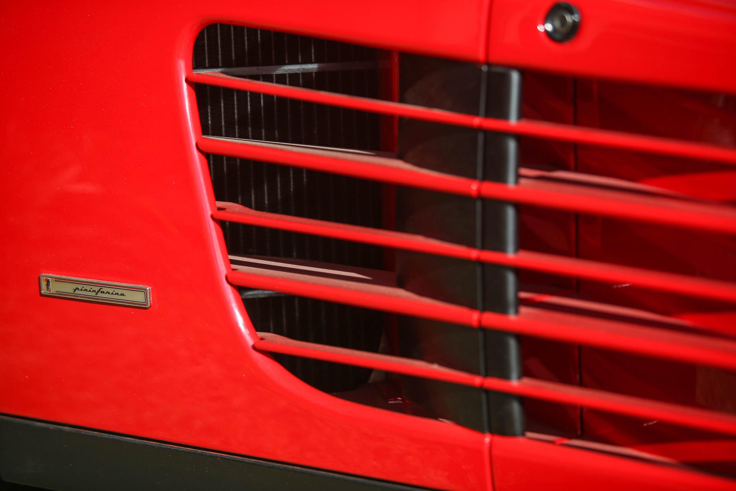 1988½ Ferrari Testarossa vent detail